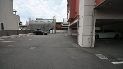 【駐車場】ラファエロ