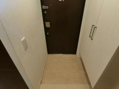 【玄関】レーベンリヴァーレココキューブ