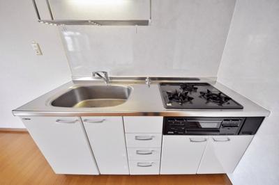 キッチン、別角度の写真です。