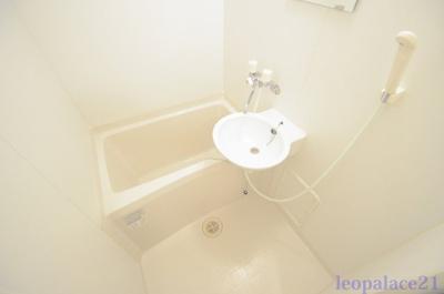 【浴室】レオパレス三生