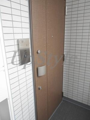 【玄関】レガリス西日暮里ステーションフロント
