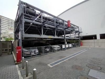 機械式駐車場。空き状況の確認もお任せください。