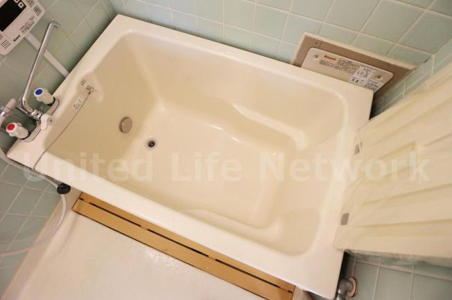 ゆったりサイズの浴槽