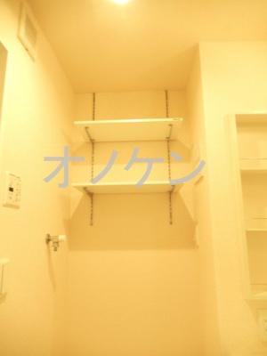 洗濯機置き場の収納棚(イメージ)