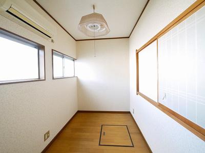 【洋室】高畑町吉川貸家