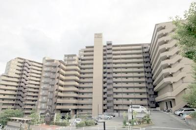 SRC造・地上15階建!管理員常駐体制のマンション!10階部分の3LDK住戸に空きが出ました♪