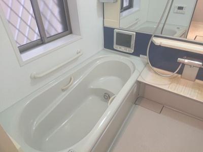 浴室TVがあるため、リラックスをしながら半身浴を楽しめます!室内干しができる浴室乾燥機もございます。