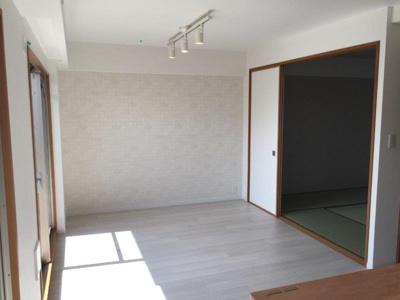 【居間・リビング】モンセーヌ加島ヴィルコート