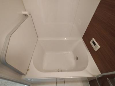 自動お湯はり機能付き浴槽です。