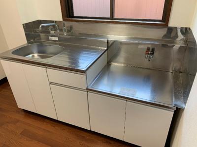 新しいキッチン