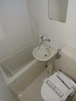 バストイレ同室です。