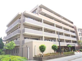 総戸数153戸、2006年2月築の大規模マンション。2018年8月に大規模修繕工事終了済