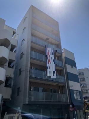 桜木町駅徒歩8分のマンションです。