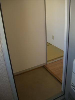 【玄関】スクエアA棟