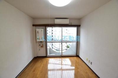 綺麗なフローリングで明るい雰囲気*別室参考写真