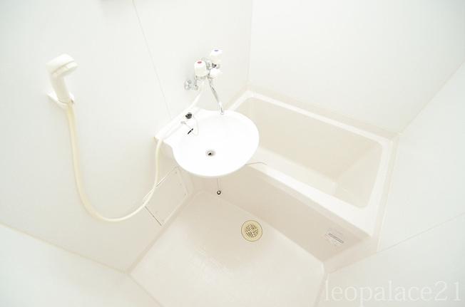 【浴室】レオパレスクリスタル