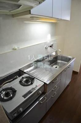 2口コンロ設置済みのキッチンです。