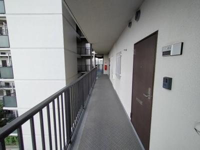 玄関前の通路です。