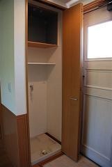 扉付の室内洗濯機置き場(同一仕様)