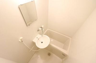 浴室乾燥機で雨や雪の日でもらくらくお洗濯!