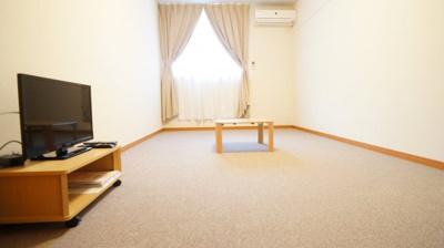 こちらは家具家電付きのお部屋になります。