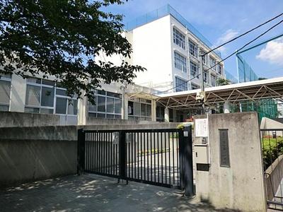 新宿区立落合第二中学校