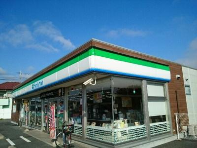 ファミリーマート藤岡七丁目店まで600m