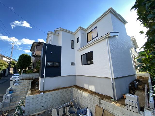 敷地は広々の46.8坪で広い敷地の新築一戸建てをお探しの方にオススメです。