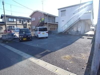 【駐車場】メゾンロイヤル