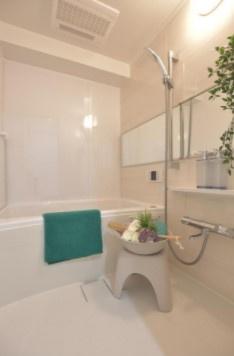 新小岩ハイツのお風呂です。