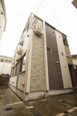 東急多摩川線「武蔵新田」駅より徒歩8分のアパートです