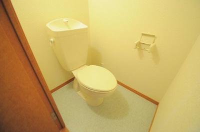 お風呂とトイレがセパレートになっているタイプのお部屋です!