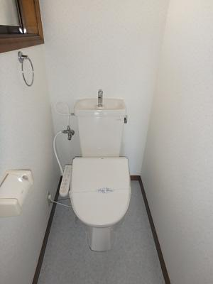 洗浄便座はサービス品になります。