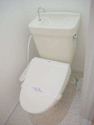 温水洗浄便座はサービス品になります。
