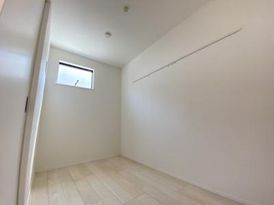 洋室3.6帖◆ピクチャーレールを上手に使って、お好みの空間に