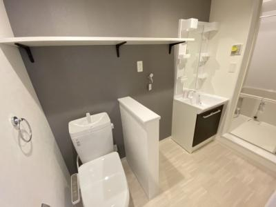 脱衣所、洗面台、洗濯機置き場、トイレが一か所に集まりました◆コンパクトに無駄なく動けますよ