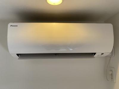 リビングにはエアコンがあります