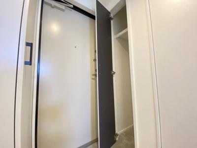 玄関にはちょっとした収納があります◆使い方は無限大