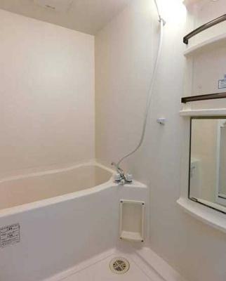 【浴室】サンハイツ 敷金0礼金0 独立洗面台 バストイレ別 南西向き