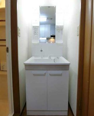 【洗面所】サンハイツ 敷金0礼金0 独立洗面台 バストイレ別 南西向き