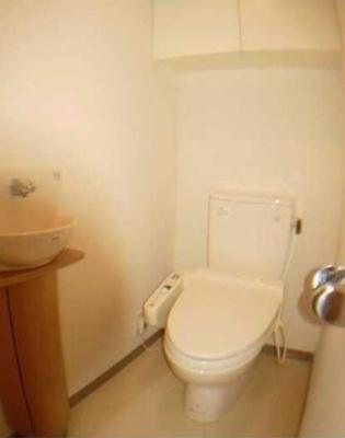 【トイレ】コンフォリア三宿 礼金0 2人入居可能 浴室乾燥機 猫3匹可