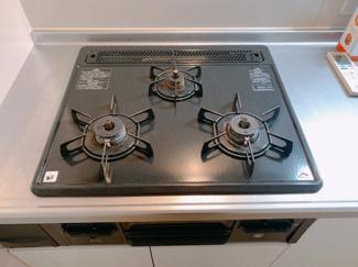 キッチンでお料理をお楽しみくだ同型タイプさい