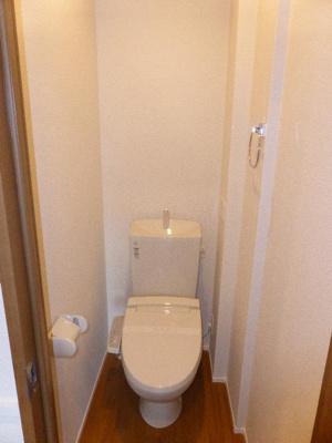 温水洗浄便座付きトイレ