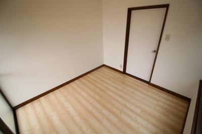 【寝室】鈴蘭台西町戸建て