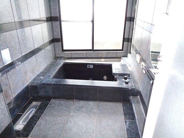 【浴室】南区柏原2丁目戸建