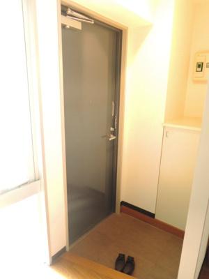【玄関】三軒茶屋ホーム 事務所可 駅近 室内洗濯機置場