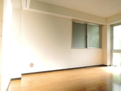 【居間・リビング】三軒茶屋ホーム 事務所可 駅近 室内洗濯機置場