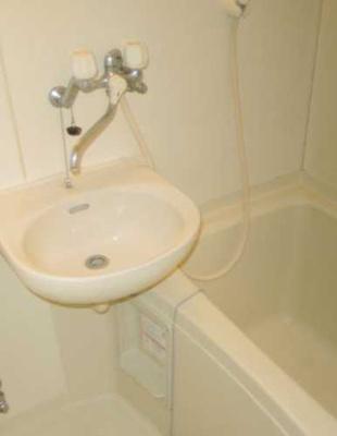 【洗面所】三軒茶屋ホーム 事務所可 駅近 室内洗濯機置場