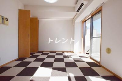 【居間・リビング】ドルフ後楽園ステーションフロント