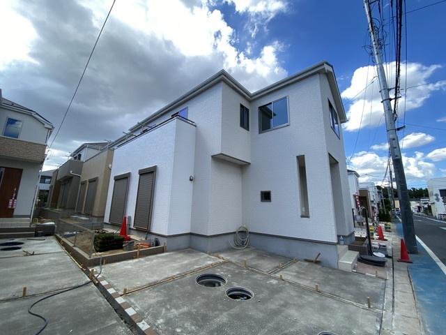 JR武蔵野線「市川大野」駅徒歩18分の全13棟の新築一戸建てです。
